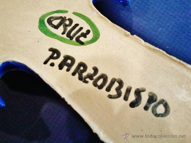 Antigüedades: Benditera de cerámica esmaltada. Firmada: Puente del Arzobispo. - Foto 3 - 49988062