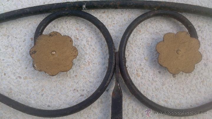 Antigüedades: CABEZAL CAMA HIERRO FORJADO SXIX - Foto 2 - 21140861