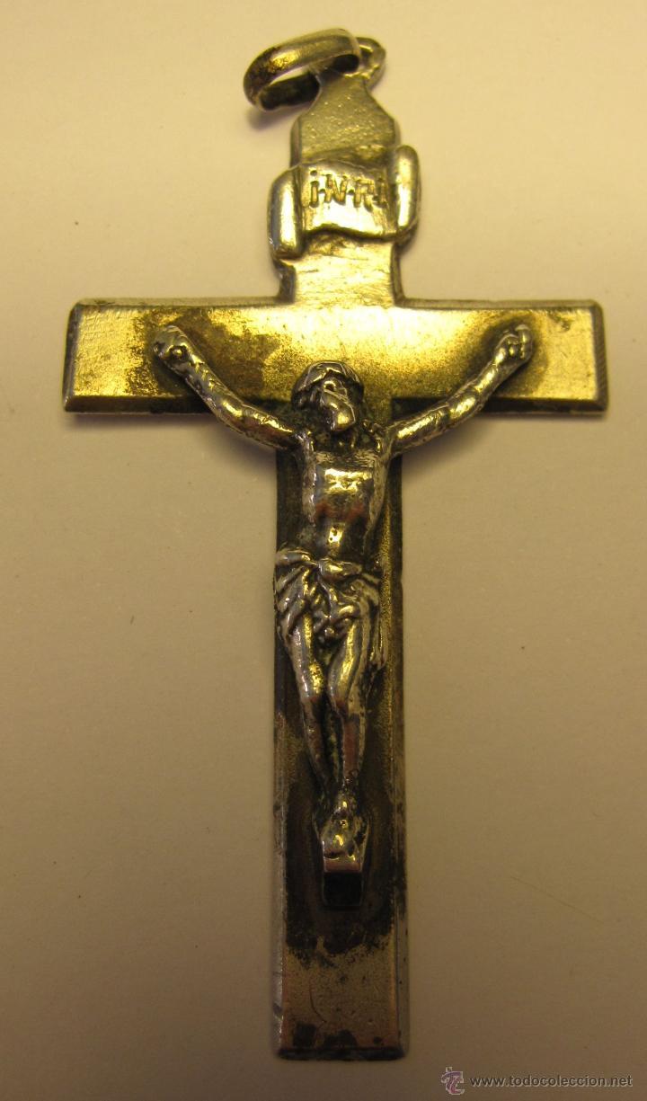 ANTIGUO CRUZ CRUCIFIJO EN METAL PLATEADO. CRISTO POSIBLEMENTE DE PLATA.6 X 3,5 CM (Antigüedades - Religiosas - Crucifijos Antiguos)