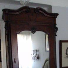 Antigüedades: ARMARIO DE CAOBA FINALES 1900. Lote 117164936