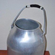Antigüedades: LECHERA DE ALUMINIO - OLLA DE LECHE - CANTABRIA. Lote 50047440