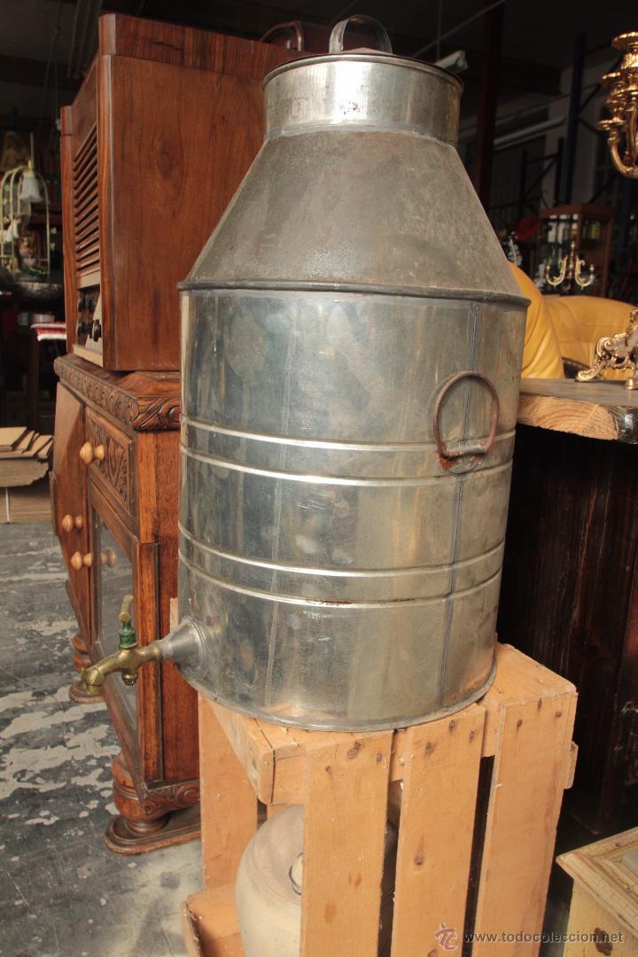 Antigüedades: Bidón o aceitera grande, con grifo - Foto 2 - 50052528
