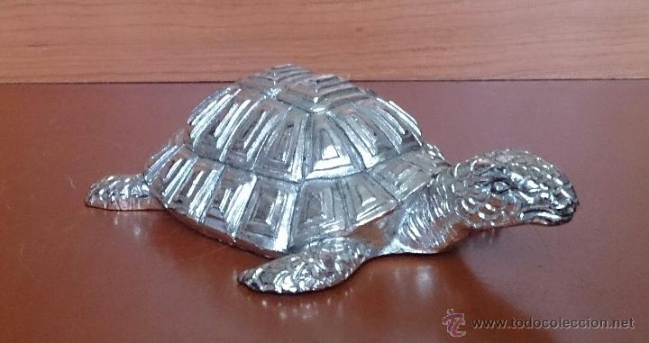 Antigüedades: Bella figura de tortuga en plata de ley Italiana laminada y contrastada en la base . - Foto 4 - 50055979
