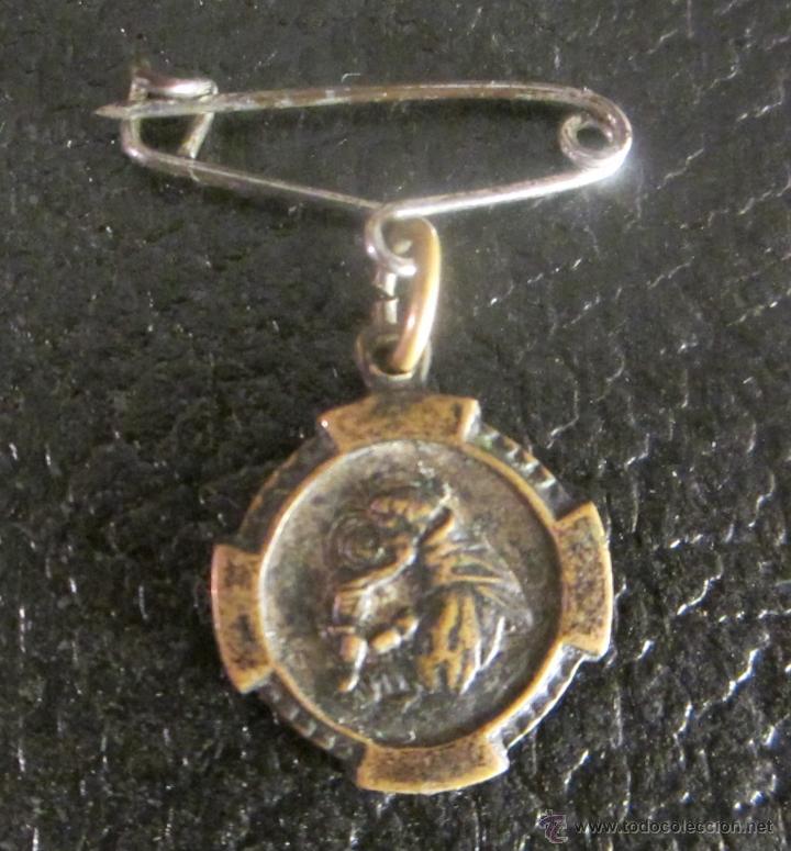MEDALLA DE SAN ANTONIO DE PADUA. EN REVERSO RICORDO. PARA COLGAR CON IMPERDIBLE (Antigüedades - Religiosas - Medallas Antiguas)