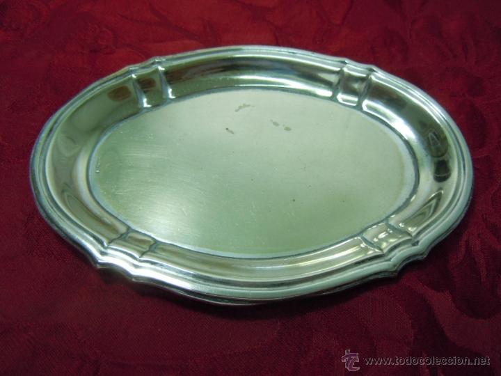 PEQUEÑA BANDEJA ALPACA PLATEADA AÑOS 30-40 (Antigüedades - Platería - Bañado en Plata Antiguo)