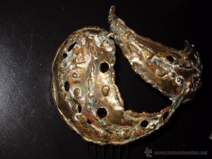 Antigüedades: Preciosa peineta o tocado de bronce. - Foto 3 - 50075971
