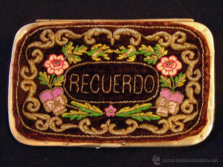 Antigüedades: Antiguo tarjetero para carnet de baile en terciopelo con bordado filipino, siglo XIX. - Foto 3 - 50083325
