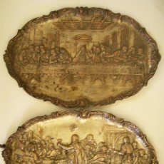 Antigüedades: PAREJA DE ANTIGUAS BANDEJAS EN COBRE PLATEADO.. Lote 50106113