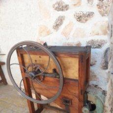 Antigüedades: DESGRANADORA DE MAIZ. Lote 50109832