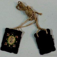 Antigüedades: PEQUEÑO ESCAPULARIO BORDADO CON VIRGEN DEL CARMEN. Lote 50115934