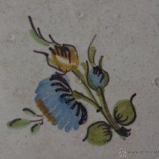 Antigüedades: AZULEJO FLOR DE ALCORA-SIGLO XVIII,ORIGINAL. Lote 178145214