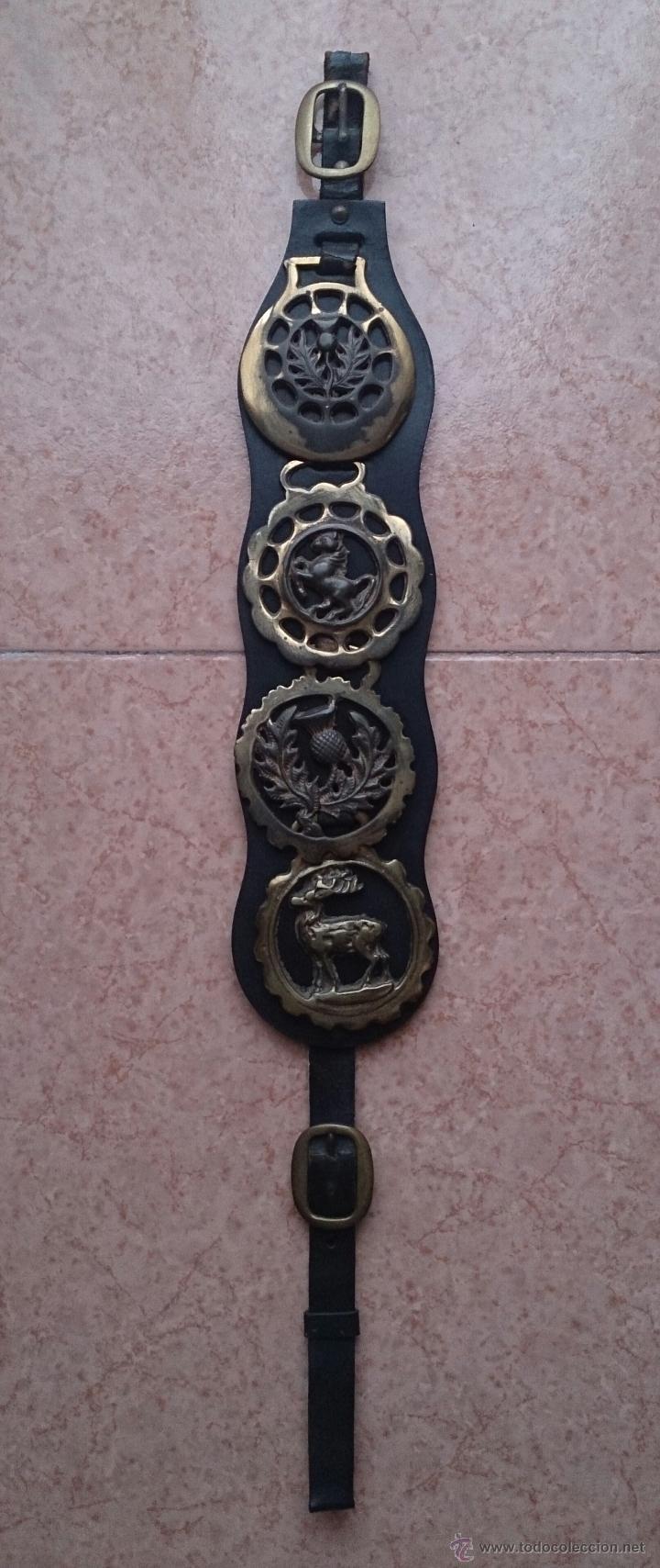 Antigüedades: Juego antiguo de cuatro camas de freno jaez en bronce cincelado diferentes motivos . - Foto 2 - 50174798