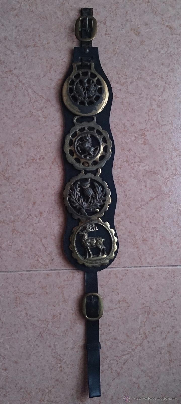 Antigüedades: Juego antiguo de cuatro camas de freno jaez en bronce cincelado diferentes motivos . - Foto 3 - 50174798