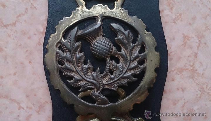 Antigüedades: Juego antiguo de cuatro camas de freno jaez en bronce cincelado diferentes motivos . - Foto 6 - 50174798