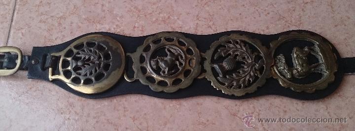 Antigüedades: Juego antiguo de cuatro camas de freno jaez en bronce cincelado diferentes motivos . - Foto 10 - 50174798