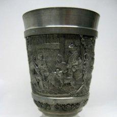 Antigüedades: ANTIGUA COPA CON ESCENAS MUY TRABAJADAS 94 % ZINN. Lote 50208673