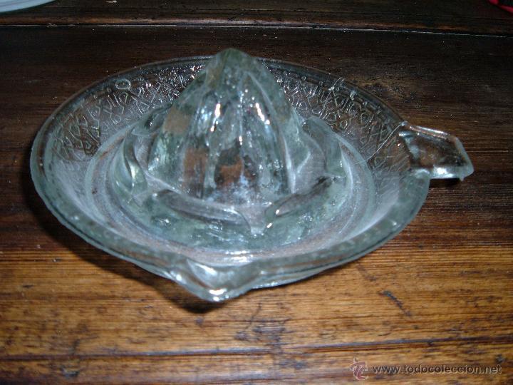 Antigüedades: Exprimidor de cristal prensado - Foto 3 - 50218045