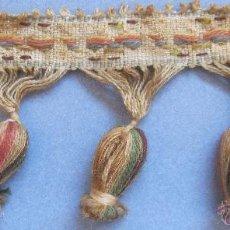 Antigüedades: ANTIGUA PASAMANERÍA CON BORLAS S. XIX. Lote 50243889