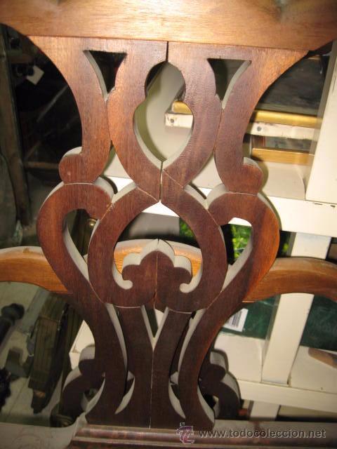 Antigüedades: Cabecero y piecero de madera con adornos troquelados 105 cm. altura Cabecero 101 piecero 79 cm. - Foto 2 - 147431241