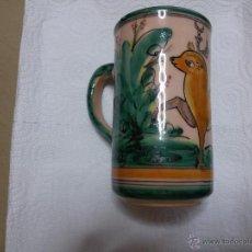 Antigüedades: JARRA DE PUENTE DEL ARZOBISPO-FIRMADA AGUADO -EL PUENTE-PINTADA A MANO. Lote 50254453