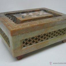 Antigüedades - Bella caja oriental tallada en piedra jabon - 54080820