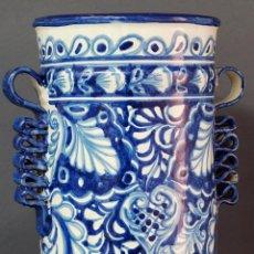 Antigüedades: PARAGÜERO CERÁMICA TALAVERA S XX AZUL Y BLANCO. Lote 50304212