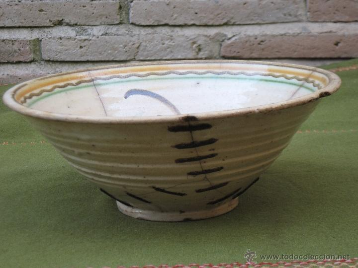 Antigüedades: CUENCO GRANDE ANTIGUO. PUENTE ARZOBISPO ( TOLEDO ) SIGLO XIX - LAÑADO. - Foto 3 - 50335806