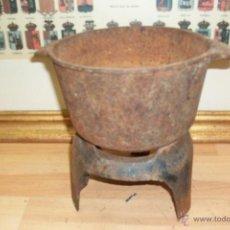 Antigüedades: ANTIGUO CAZO Y BASE DE HIERRO COLADO. Lote 50363599