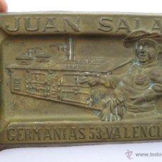 Antigüedades: CENICERO ANTIGUO LATON PUBLICIDAD JUAN SALAS VALENCIA GRAN VIA GERMANIAS 53 CALEFACCION Y COCINAS. Lote 50386446