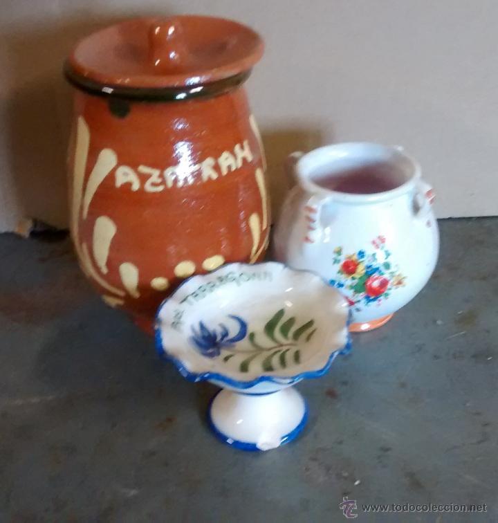LOTE DE 3 PIEZAS DE CERÁMICA, LA MAYOR 11 CM DE ALTO (Antigüedades - Porcelanas y Cerámicas - Otras)