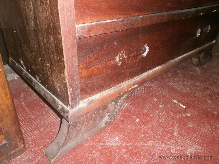 Antigüedades: Ocasion Comoda antigua de madera con cuatro cajones y espejo para restaurar - Foto 2 - 50426256
