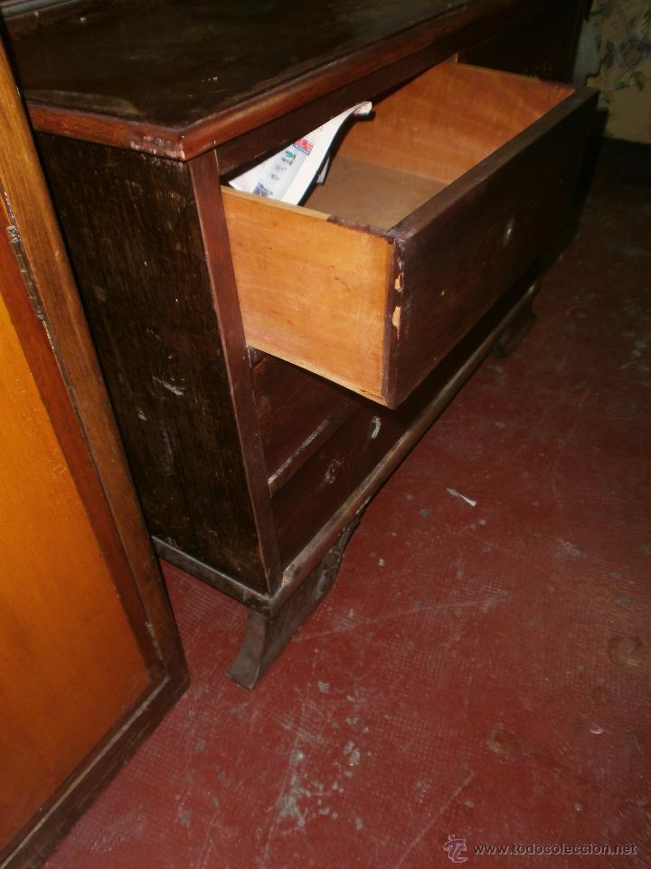 Antigüedades: Ocasion Comoda antigua de madera con cuatro cajones y espejo para restaurar - Foto 3 - 50426256