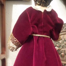 Antigüedades: PRECIOSA TUNICA PARA NIÑO JESUS EN TERCIOPELO BURDEOS Y ORO DE CALIDAD. Lote 50460937