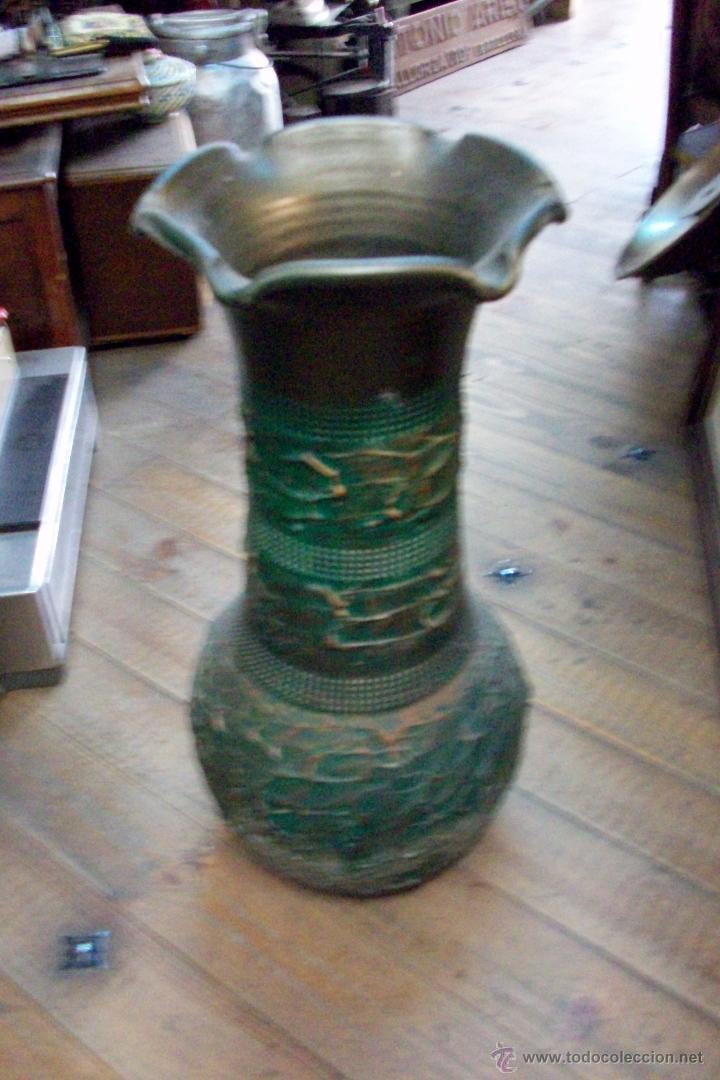 ANTIGUO FLORERO DE CERAMICA (Antigüedades - Hogar y Decoración - Floreros Antiguos)
