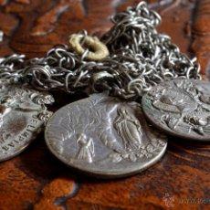 Antigüedades: CADENA CON TRES MEDALLAS (#5). Lote 50468395
