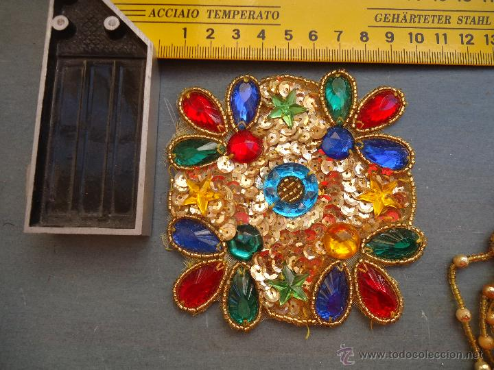 Antigüedades: gran lote espectaculares antiguas aplicaciones apliques para tajes fiesta fantasia bordados .... - Foto 6 - 50477121