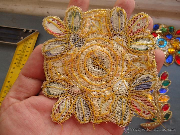 Antigüedades: gran lote espectaculares antiguas aplicaciones apliques para tajes fiesta fantasia bordados .... - Foto 7 - 50477121