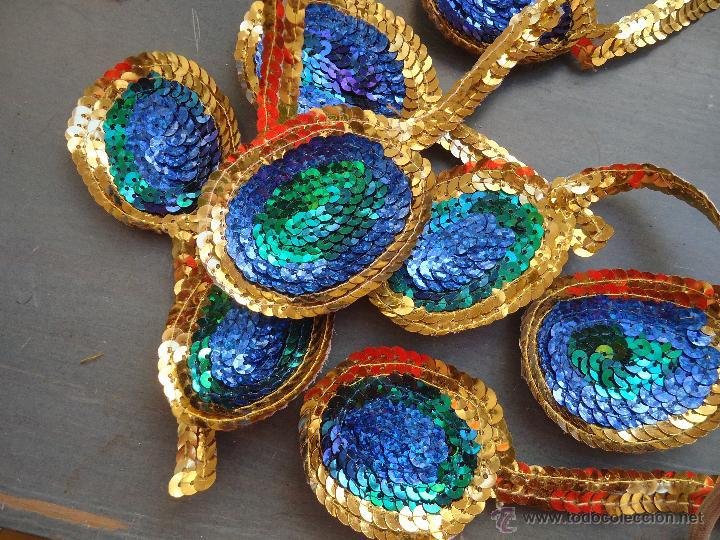 Antigüedades: gran lote antiguas aplicaciones apliques trajes fiesta fantasia bordados ....plumas aveztruz? - Foto 2 - 50477163