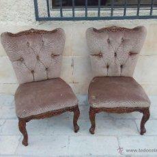 Antigüedades - Preciosas sillas isabelinas de madera maciza tallada y tapizado aterciopelado. finales del siglo XIX - 50480724