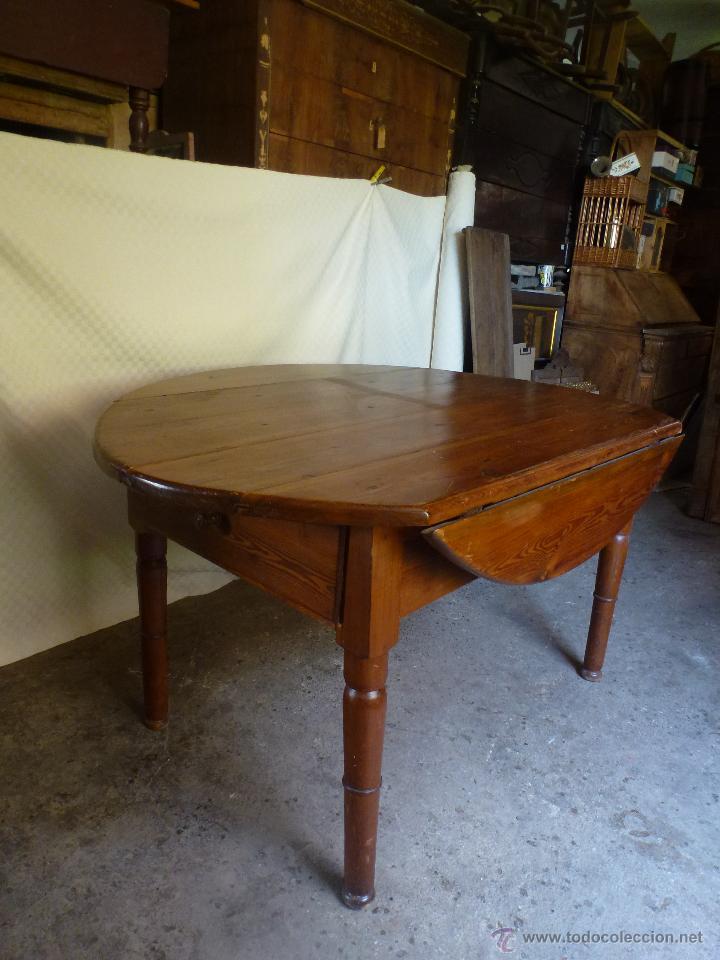 Antigüedades: Antigua y grande mesa plegable ovalada, madera pino melis. - Foto 3 - 50481914