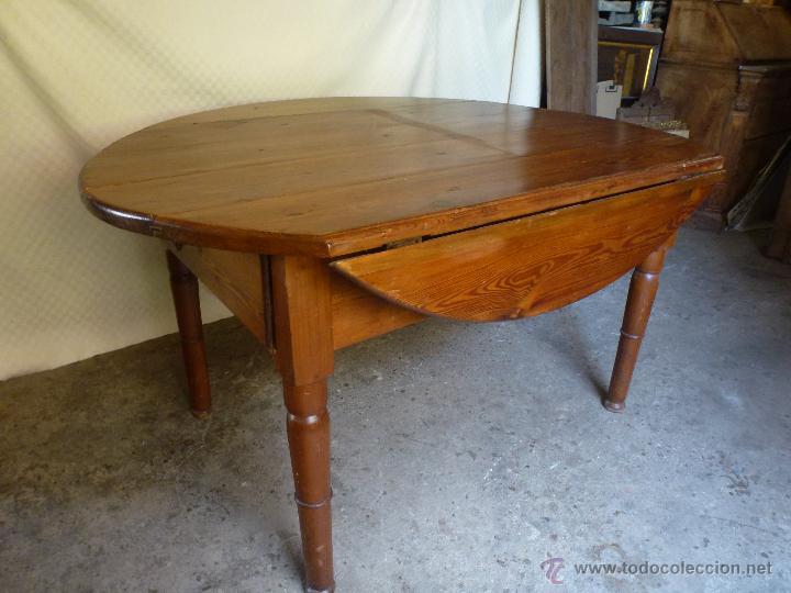 Antigüedades: Antigua y grande mesa plegable ovalada, madera pino melis. - Foto 4 - 50481914
