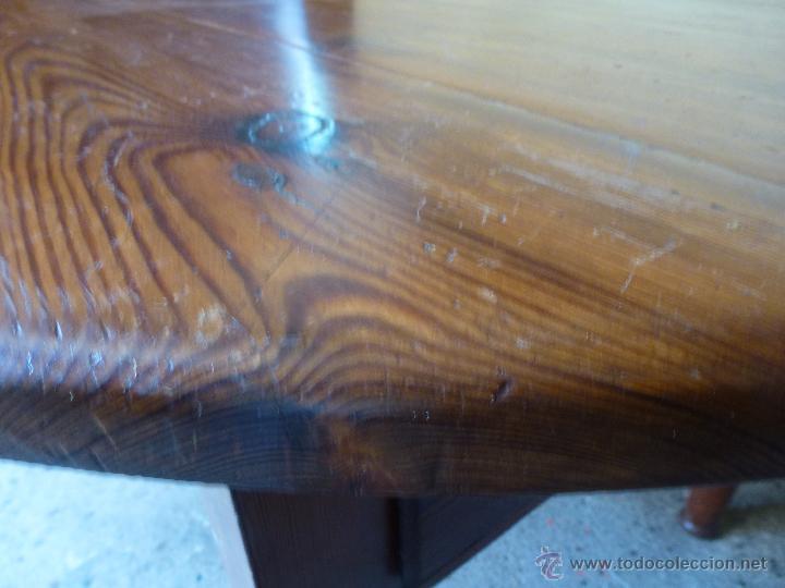 Antigüedades: Antigua y grande mesa plegable ovalada, madera pino melis. - Foto 11 - 50481914