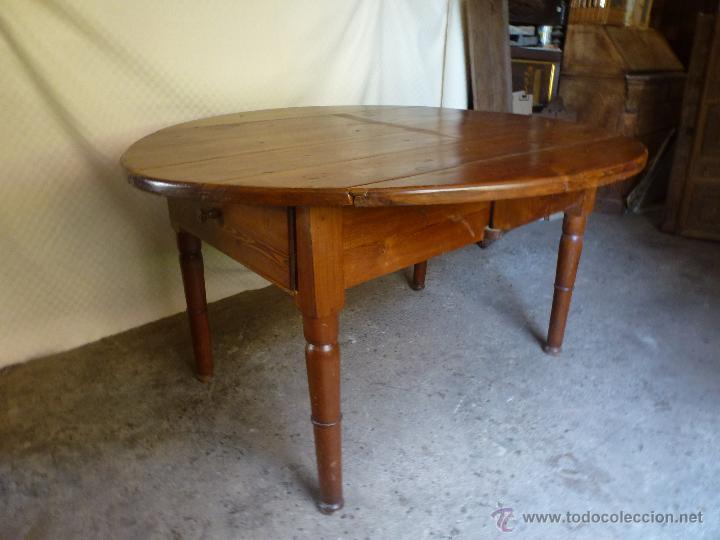 Antigüedades: Antigua y grande mesa plegable ovalada, madera pino melis. - Foto 13 - 50481914