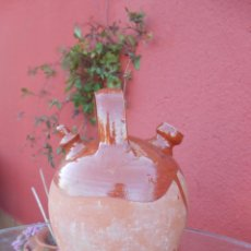 Antigüedades: ANTIGUO BOTIJO DE BARRO ESMALTADO. Lote 50509991