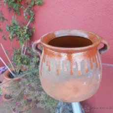 Antigüedades: ANTIGUA OLLA DE BARRO ESMALTADA. CON SELLO INCISO. HIJO DE BREDA?. Lote 50510821