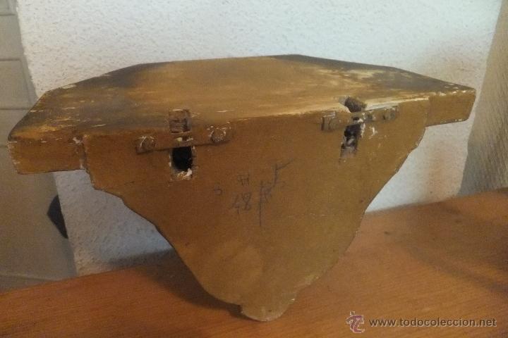 Antigüedades: Mensula o peana de estuco decorada con hojas imitando oro. - Foto 4 - 50516570