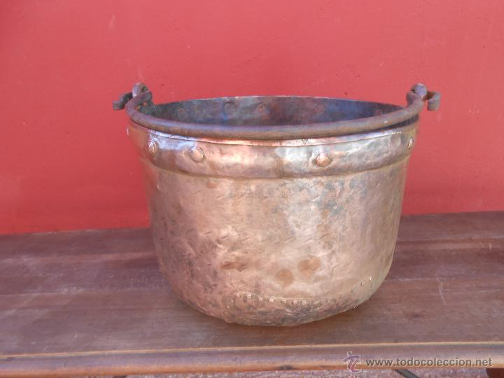 Antigüedades: ANTIGUA CALDERA DE COBRE, CON ASA DE HIERRO. 28CM X 38CM - Foto 4 - 50517949