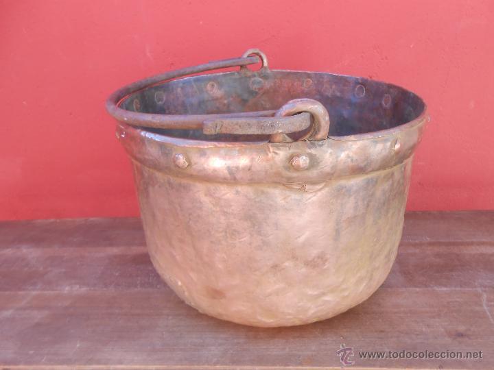 Antigüedades: ANTIGUA CALDERA DE COBRE, CON ASA DE HIERRO. 28CM X 38CM - Foto 6 - 50517949