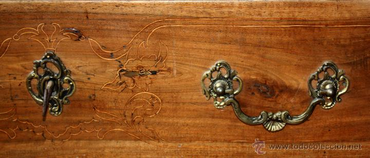 Antigüedades: CANTERANO CATALÁN EN MADERA DE NOGAL Y DECORACIONES EN MARQUETERÍA DE BOJ DEL SIGLO XVIII - Foto 3 - 50543379