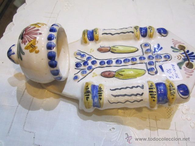 Antigüedades: Benditera de cerámica con marca en la base. 11,5 x 20,5 cms. - Foto 2 - 50543408